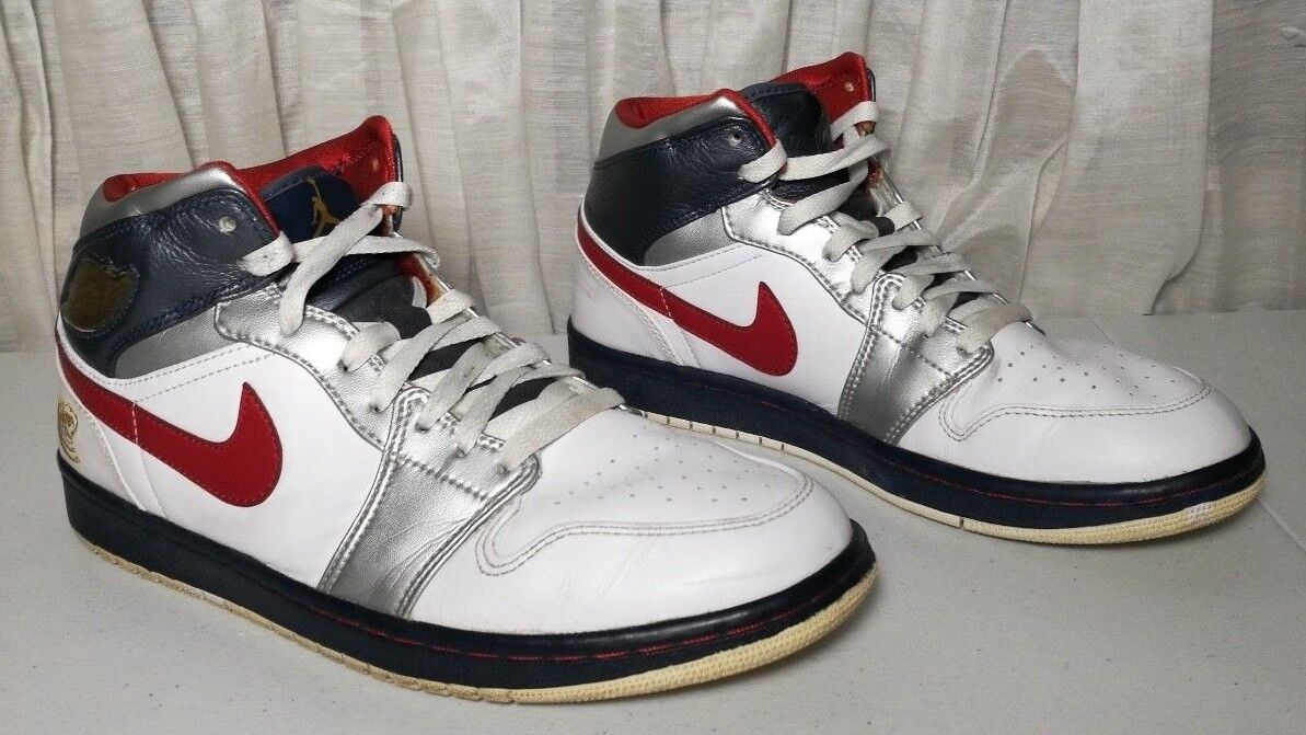 Nike Air Jordan I Retro 1 OLYMPIC Size 10 136085-161 Preowned