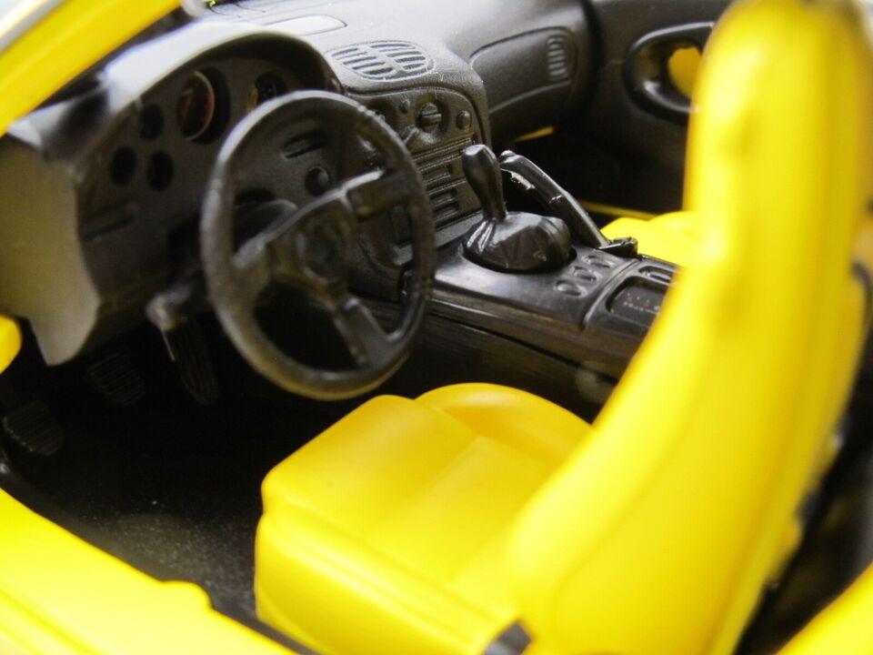 Modelbil, 1993 Mazda RX-7 Spinners, skala 1:18