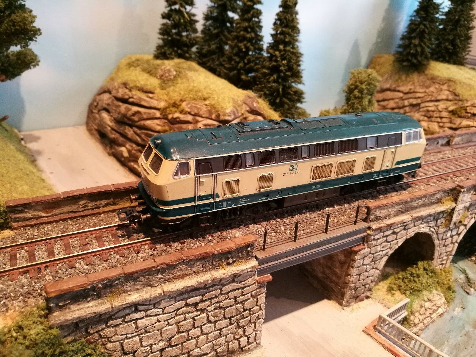 ROCO 43450/04151 B h0 Diesel locomotiva V 215 033-2 delle DB