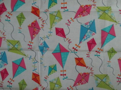 KITES FLYING COLORS WHITE COTTON FABRIC FQ