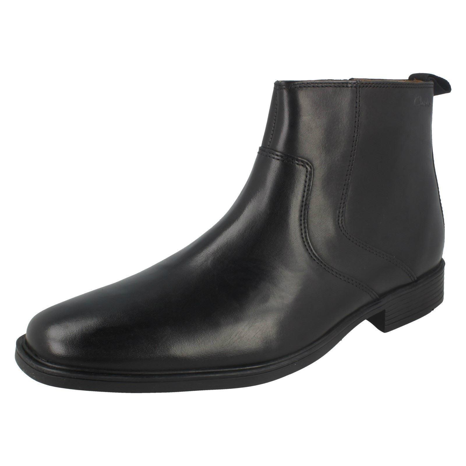 Para hombres Cuero Negro Clarks Tilden Cremallera Inteligente botas Zip Up