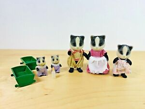 Sylvanian-Families-Underwood-Badger-Family-George-Petra-Melanie-Ella-April-1989