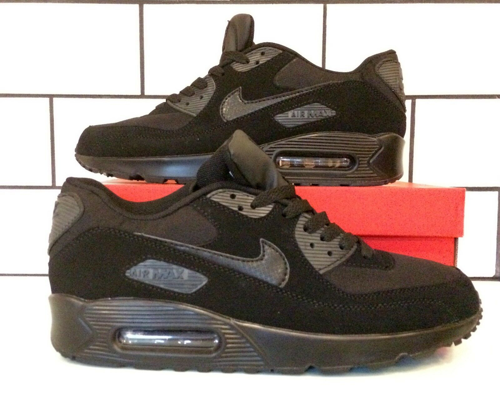 the best attitude df065 961bf Nike Air Max 90 Trainers Black Black Black Size 8 - Brand new - Free  Delivery