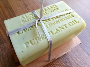Australian-Botanical-Soap-MANUKA-HONEY-gift-pack-w-Cedar-Dish-Xmas-Kris-kringle