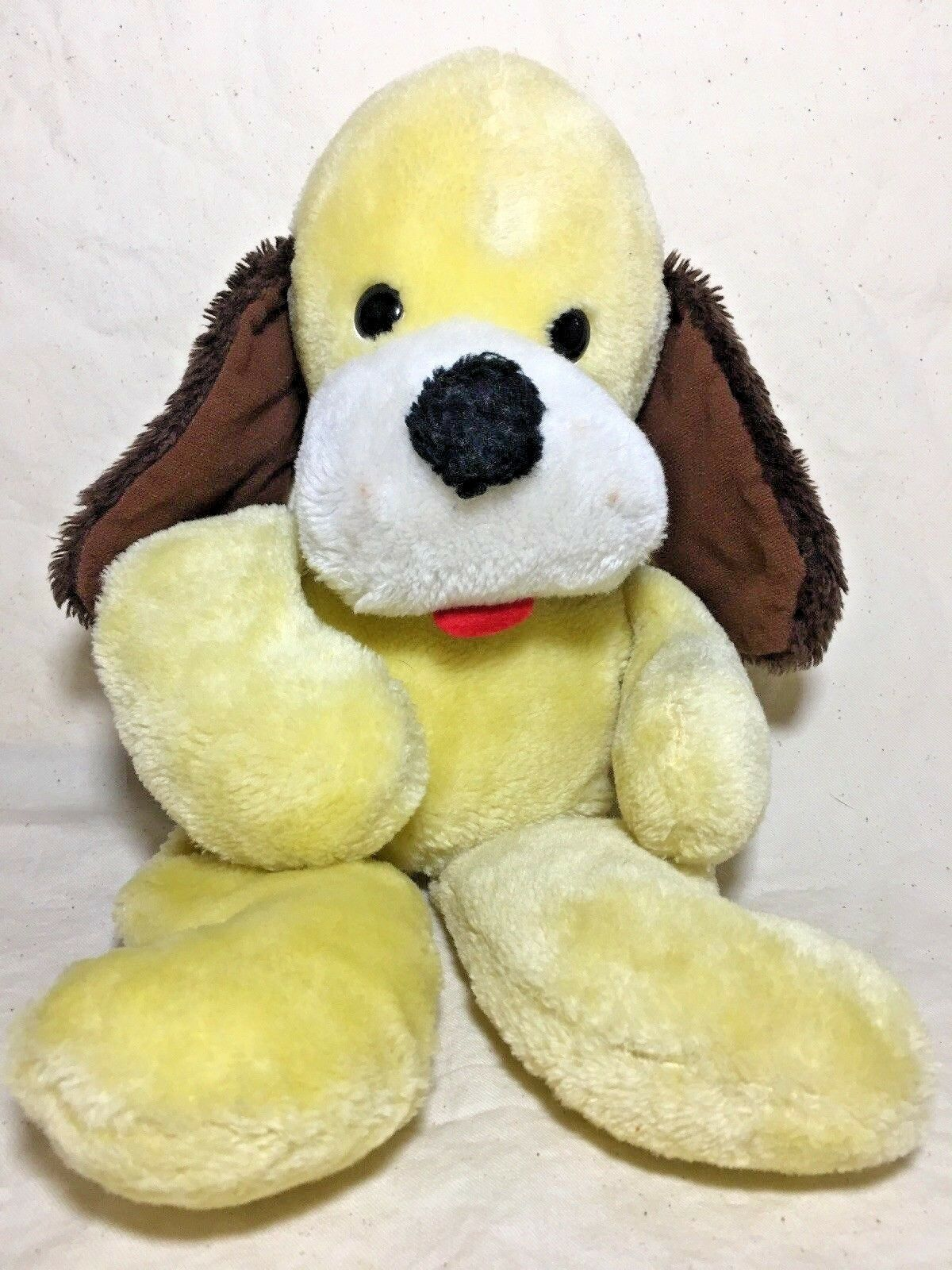 VINTAGE ANIMAL FAIR 17in Puppy Dog Plush Stuffed Animal Yellow Dog Collectible
