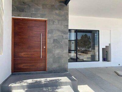 casa nueva en venta al sur en area de reserva natural 3 recamaras 4 baños
