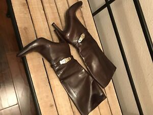 a6ac3234f Image is loading Gucci-Aubergine-Leather-Knee-High-Gold-Buckle-Round-