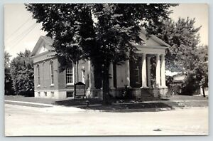 Horicon-Wisconsin-Colonial-Architecture-Presbyterian-Church-Columns-RPPC-1940s