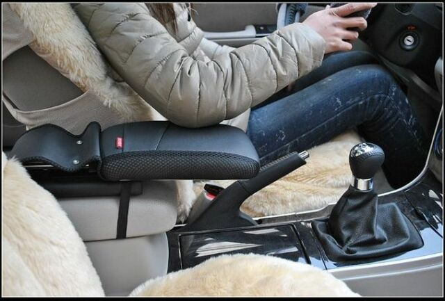 Center console armrest storage box elbow supporting for Hyundai Tucson ix35