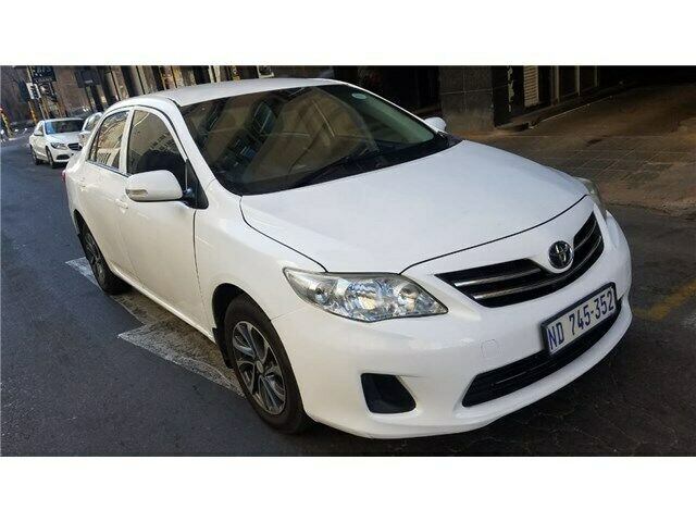 2013 Toyota Corolla 1.6 Professional, White with 85000km available now!