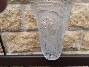 Vintage-German-Crystal-Cut-Saw-Tooth-Glass-Waisted-Vase