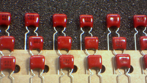 8.2nF 8200pF 50V Red Polyester capacitors 822-30pcs