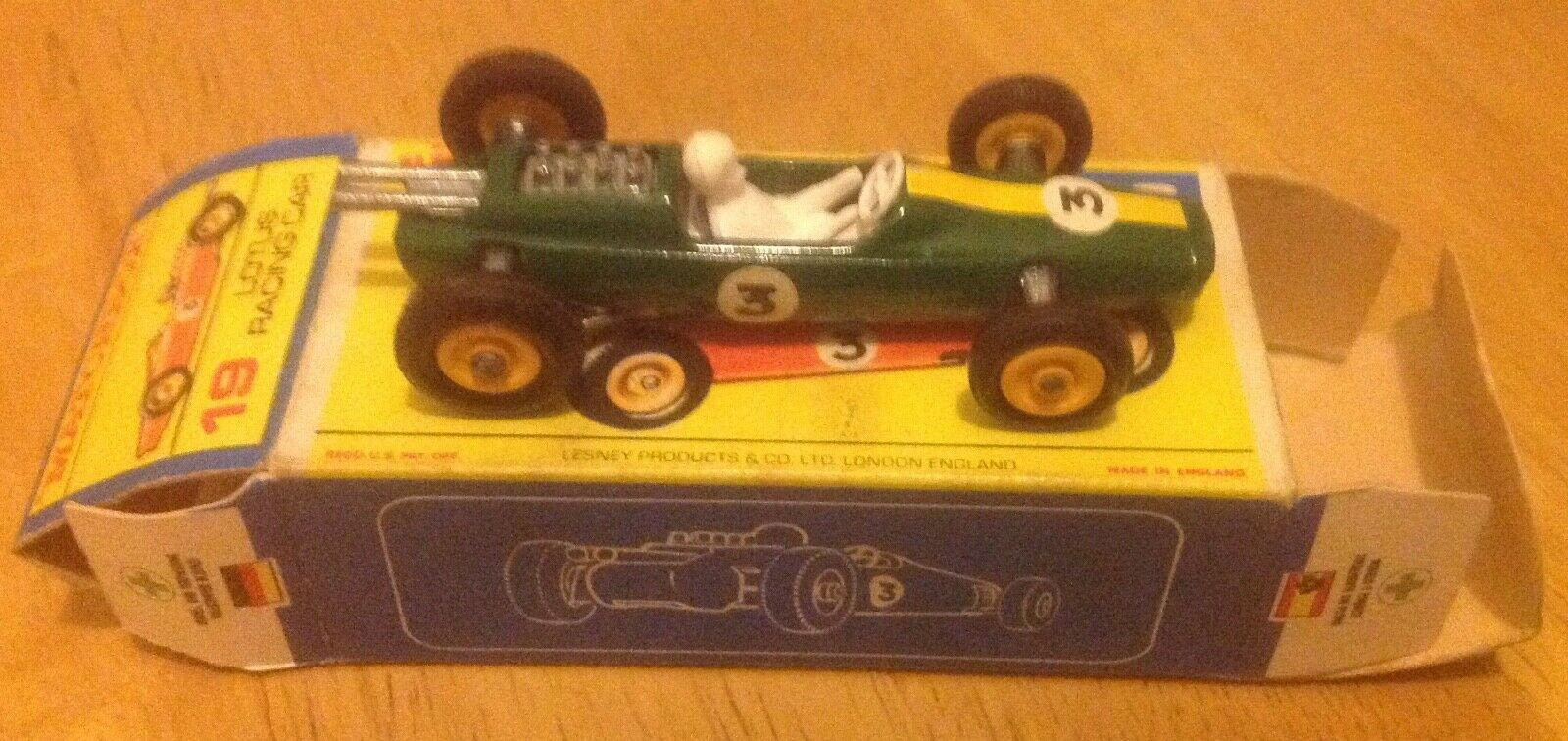 MATCHBOX 19d LOTUS RACING CAR GREEN  BOXED