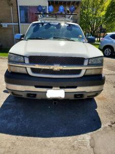 2004 Chevrolet Silverado 3500 1 Ton, 8' box 4 door