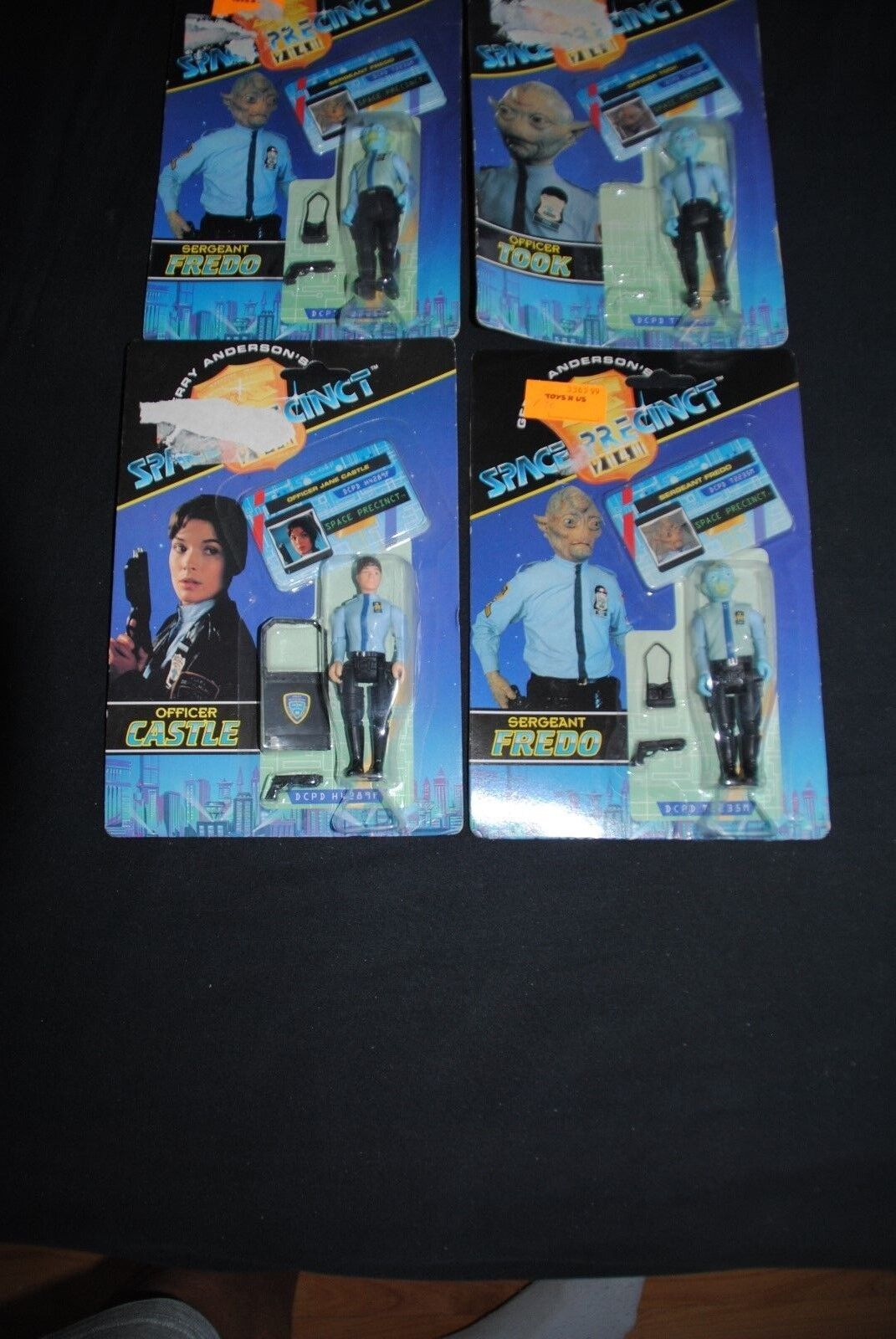 SPACE PRECINT GERRY ANDERSON,S FIGURES CARDED SET OFF 4