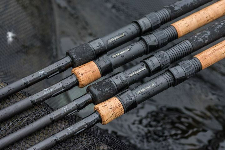 Wychwood Riot Carp Rod Rods Cork Or EVA Handle  9ft 10ft Or 12ft 1 2 Or 3 Rods