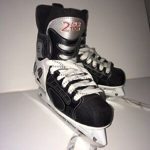 CCM-TACKS-252-Pro-Lite-3-Jr-Ice-Hockey-Skates-Jr-Size-2-5-Good-Condition