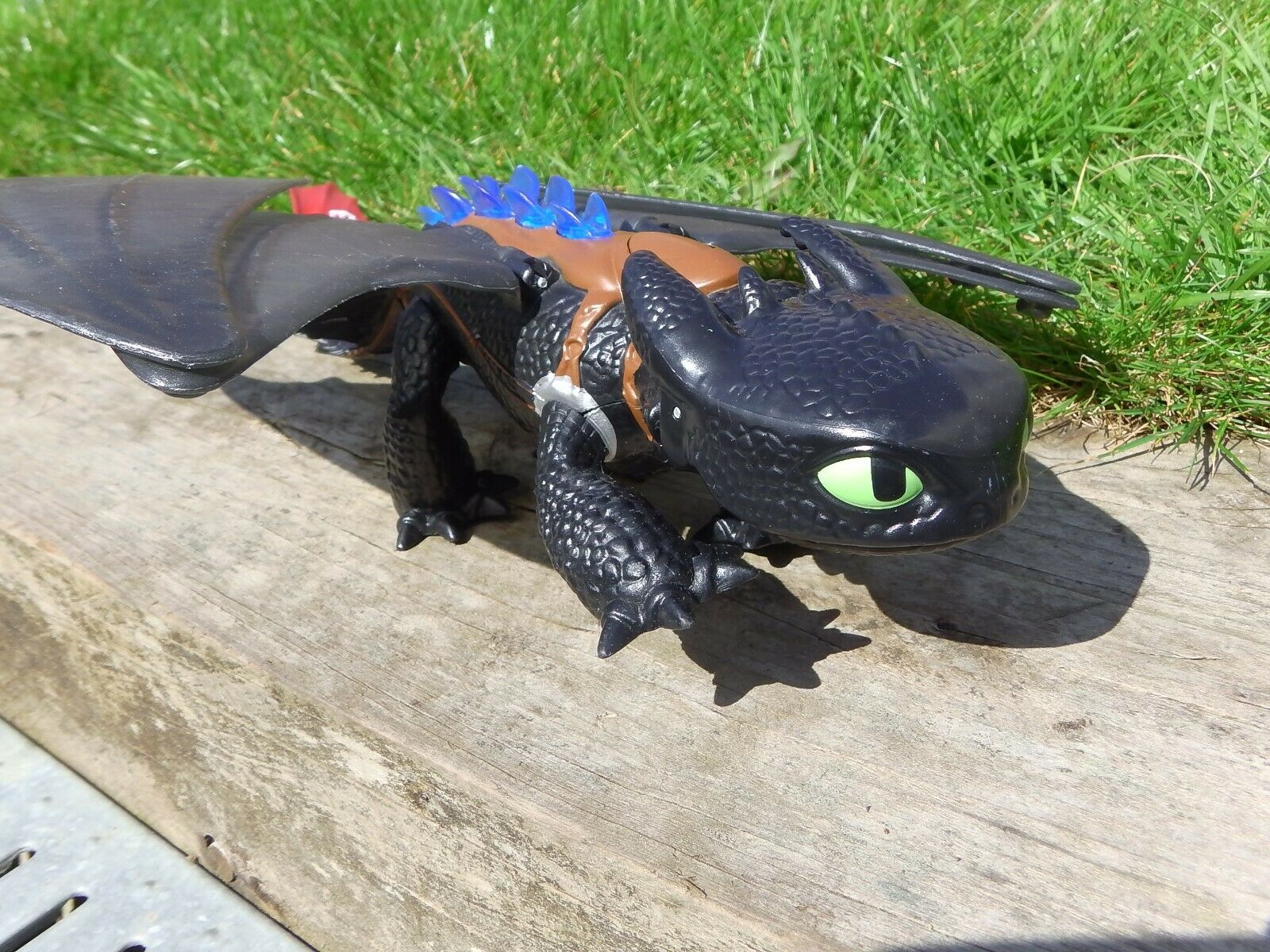 How to Train Your Dragon Grand Krokmou Alpha Dragon Night  Fury Figure Toy 14   en stock