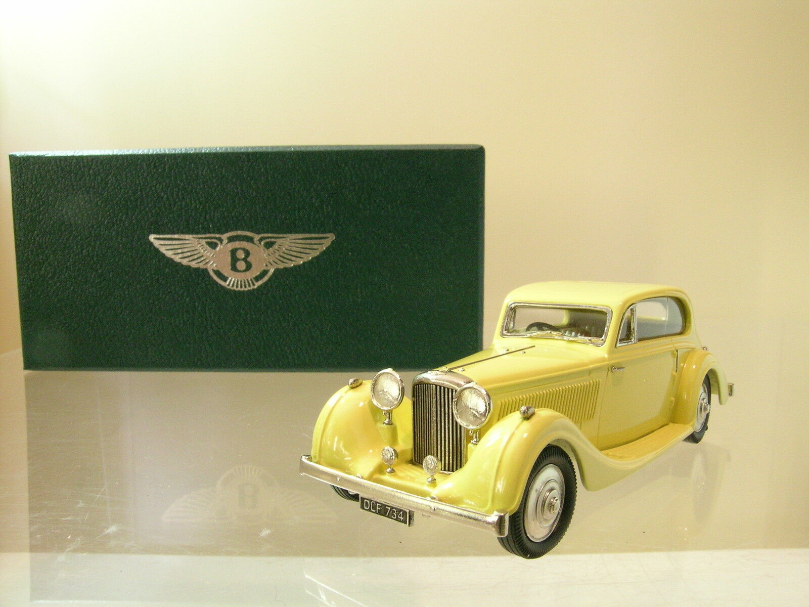 LANSDOWNE MODELS LDM93 BENTLEY 4¼LTR FIXED HEAD COUPE 1936 BARKER giallo 1 43
