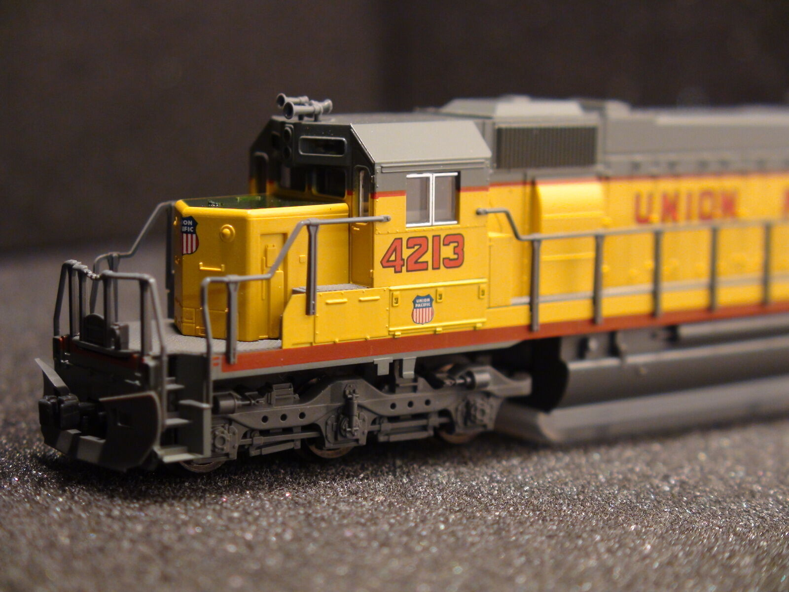 N-SCALE KATO 176-4705 UP SD40-2 EARLY ROAD  4202 UNION PACIFIC