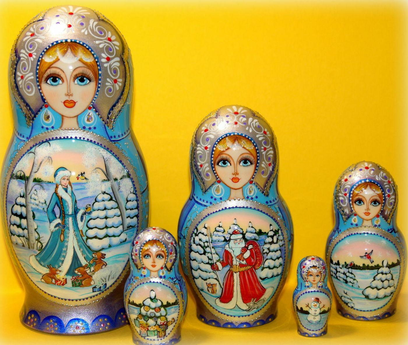 Russian matryoshka doll nesting babushka beauty Christmas winter Blau handmade