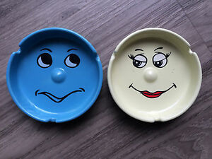 Ashtrays-Funny-Face-Emoticon-3D-Protruding-Nose-Blue-Yellow-Green-Ceramic
