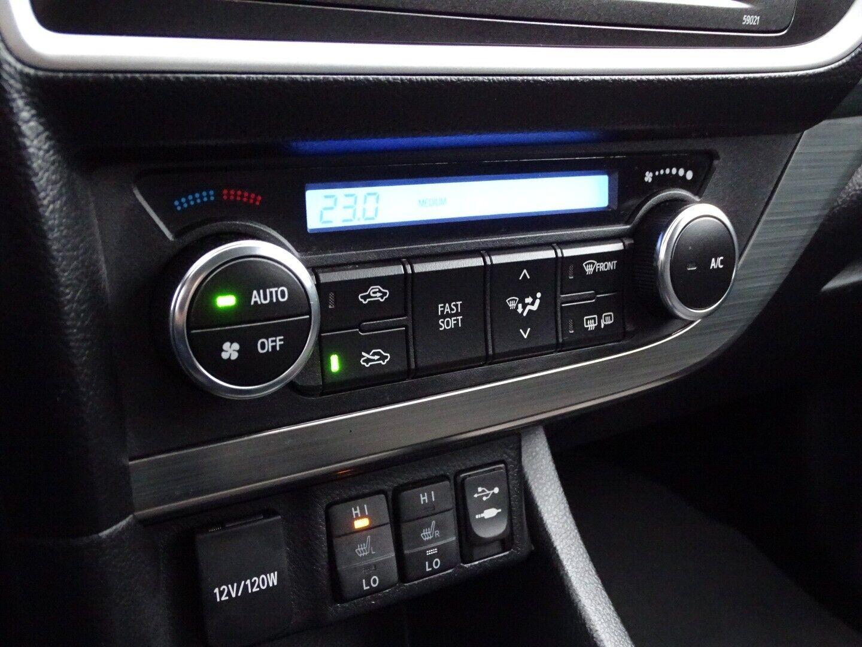 Toyota Auris 2,0 D-4D T2 Touring Sports - billede 8