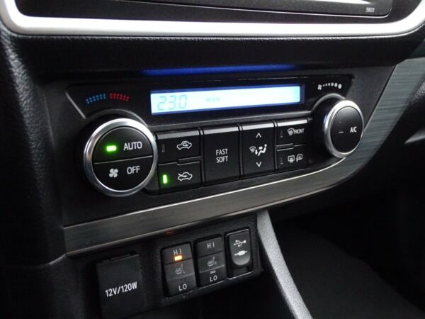 Toyota Auris 2,0 D-4D T2 Touring Sports billede 8