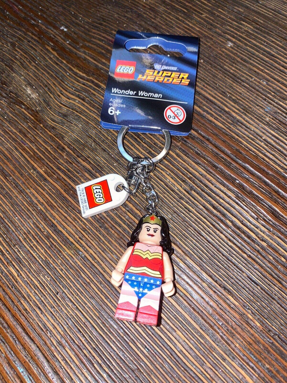 LEGO 853433 DC COMICS SUPER HEROES WONDER WOMAN MINIFIGURE KEYCHAIN *NEW*