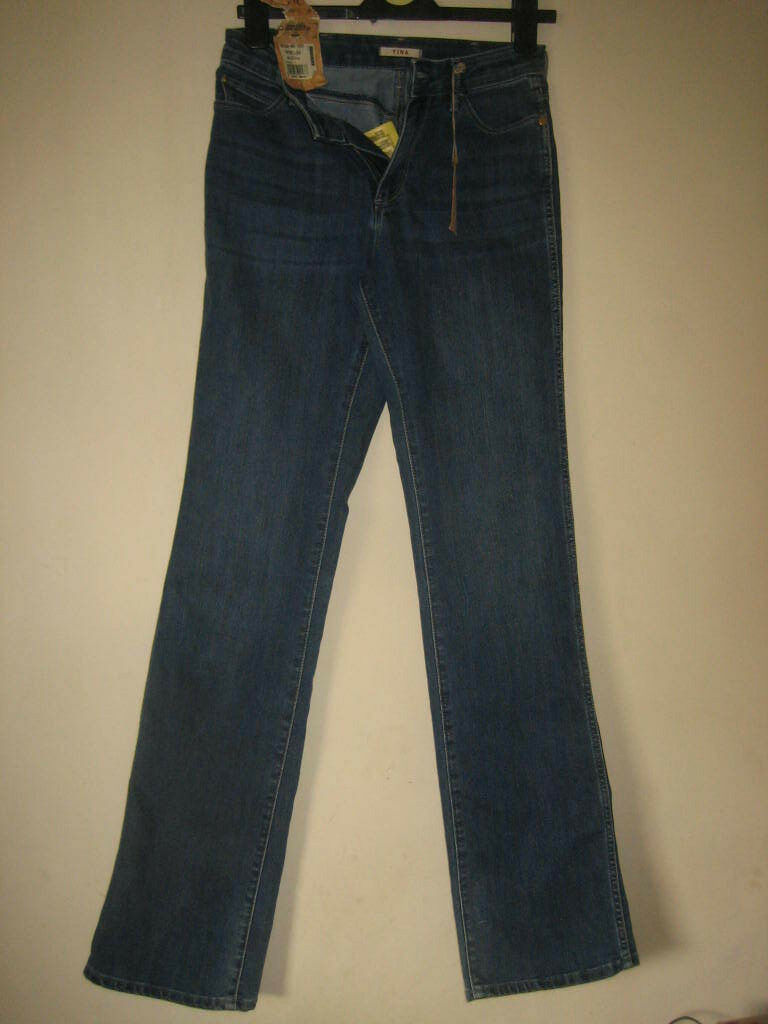 PP75) NEW WITH TAGS WRANGLER (TINA) blueE STRAIGHT JEANS ZIP FLY WAIST 28 LEG 34