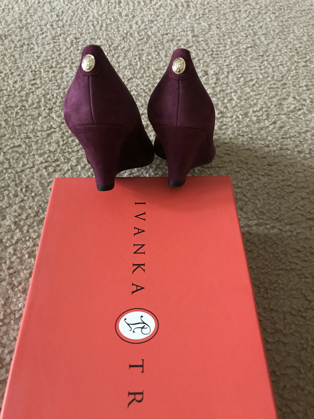NIB Ivanka dark Trump natale wedge Pump dark Ivanka rot suede 6 7 point toe 167fa6
