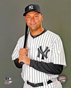 DEREK-JETER-Portrait-034-New-York-Yankees-034-LICENSED-un-signed-poster-pic-8x10-photo