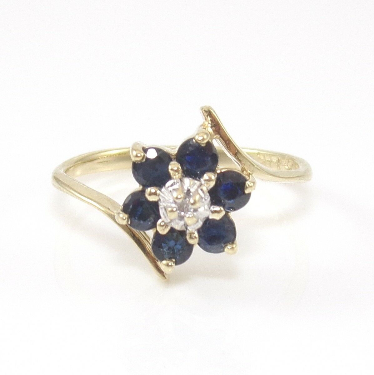 14K Yellow gold Natural bluee Sapphire Diamond Flower Halo Ring Size 3.25