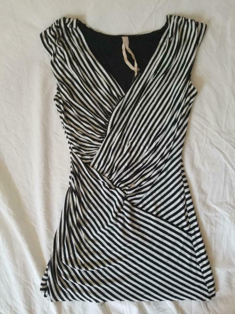 Bailey 44 striped sleeveless v neck ruched top shirt S Small stripes