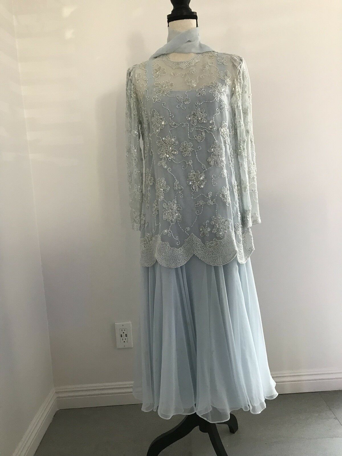 Vintage Light bluee Sequin Floral Dress Size 8