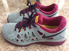 Womens Sz 10  NIKE DUAL FUSION RUN 2 LIVESTRONG Running Shoes