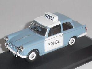 Corgi-Vanguards-Triumph-Herald-la-policia-Panda-1-43-modelo-de-coche