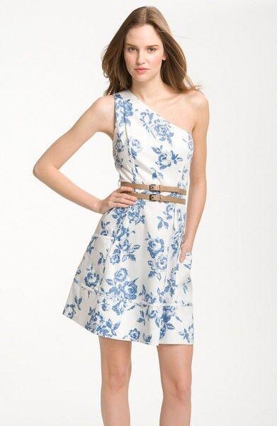 JESSICA SIMPSON MS Größe 12 Weiß AND Blau ONE SHOULDER PRINTED FASHION DRESS