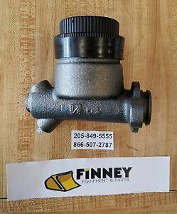 Details about D39824 Case 450 450B 455B 850 850B 850C 855C Brake Master  Cylinder Dozer NEW