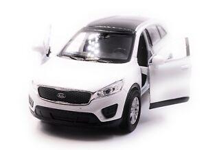 Kia-Sorento-voiture-miniature-voiture-Blanc-echelle-1-34-LGPL