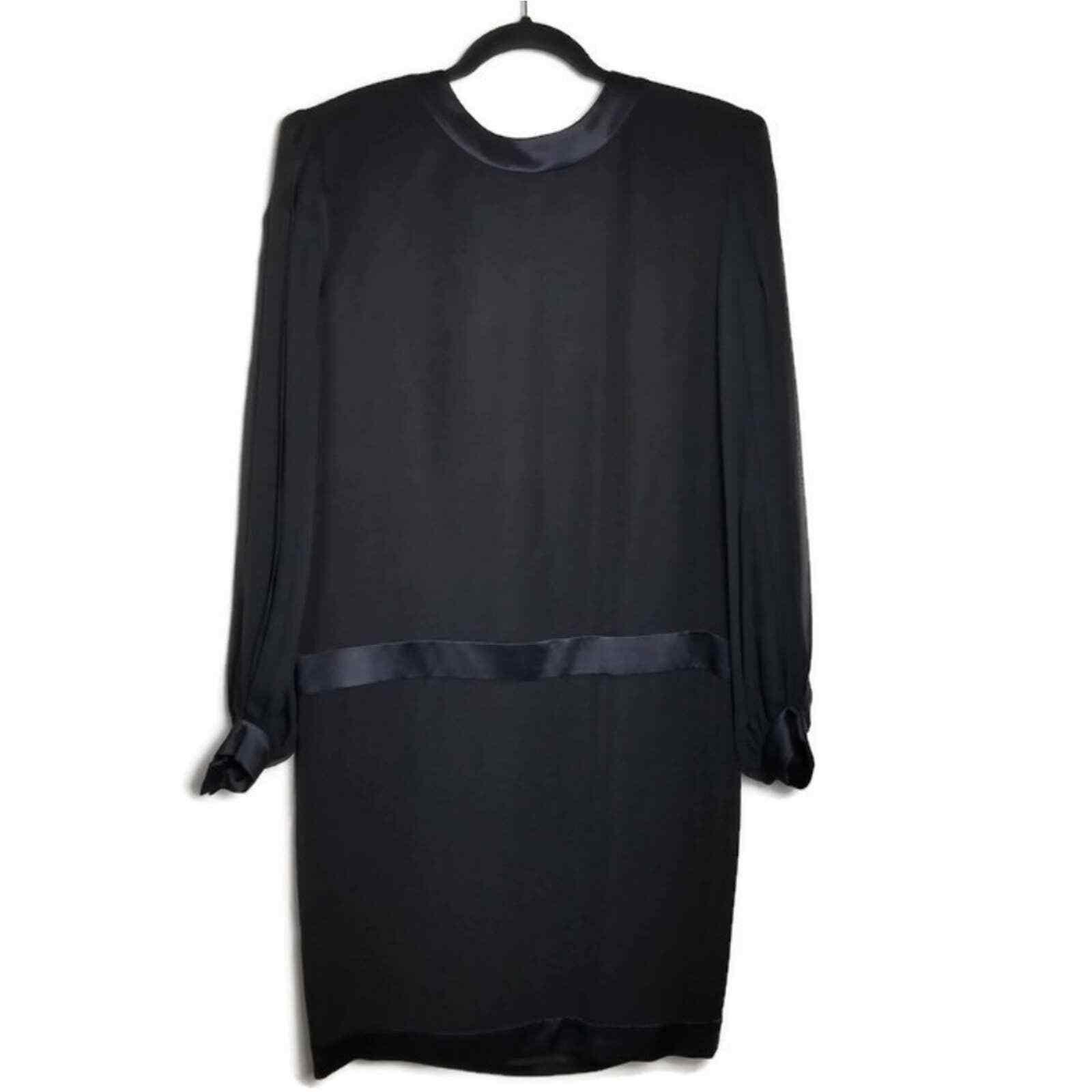 Albert Nipon Vintage Silk Pleat Sleeve Dress WOME… - image 1