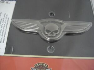 Harley-Davidson-Skull-Wings-Medallion-Sissybar-Batterie-antique-nickel-91732-02