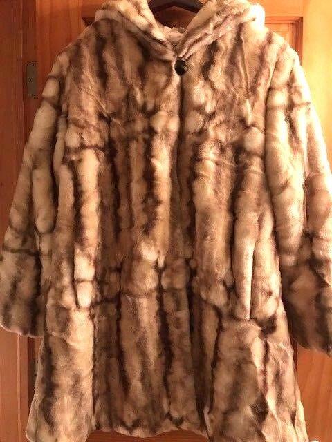 PAMELA MCCOY Faux Fur Mink Coat med luvtröja, Medium längd, Mycket Varm och Mysig
