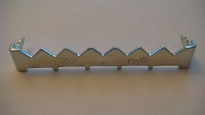 500 Small Sawtooth Picture Hangers SAW TOOTH HANGERS Without Nails Priority mail