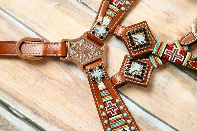 SHOWMAN Poney turquoise navajo Cross une oreille de perles assortis Breast collar