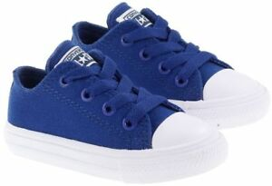 f294ec22e05c70 Converse Infant Chuck Taylor 2 All Star OX Trainers Kids Children ...