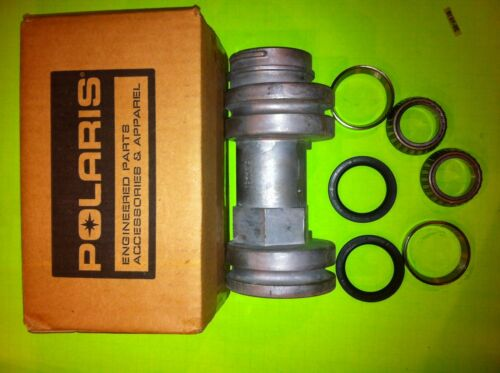 Polaris trailboss 330 335 1999-2004   Rear Axle Bearing Housing Carrier 5132098