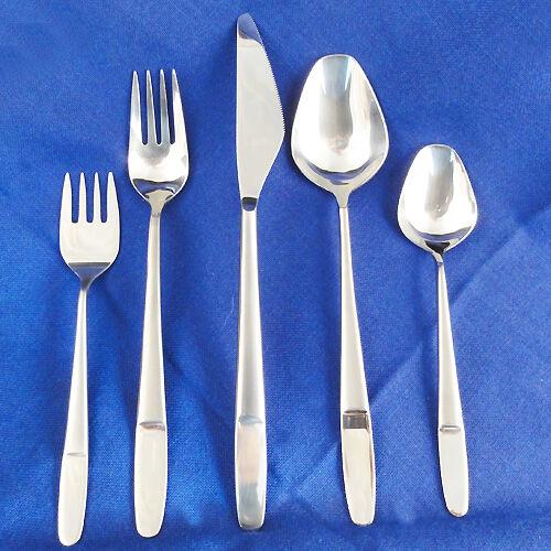 CONCEPT Stainless Amboss Austria DINNER KNIFE 8.25  NEW NEVER NEVER NEVER USED Helmut Adler a17346