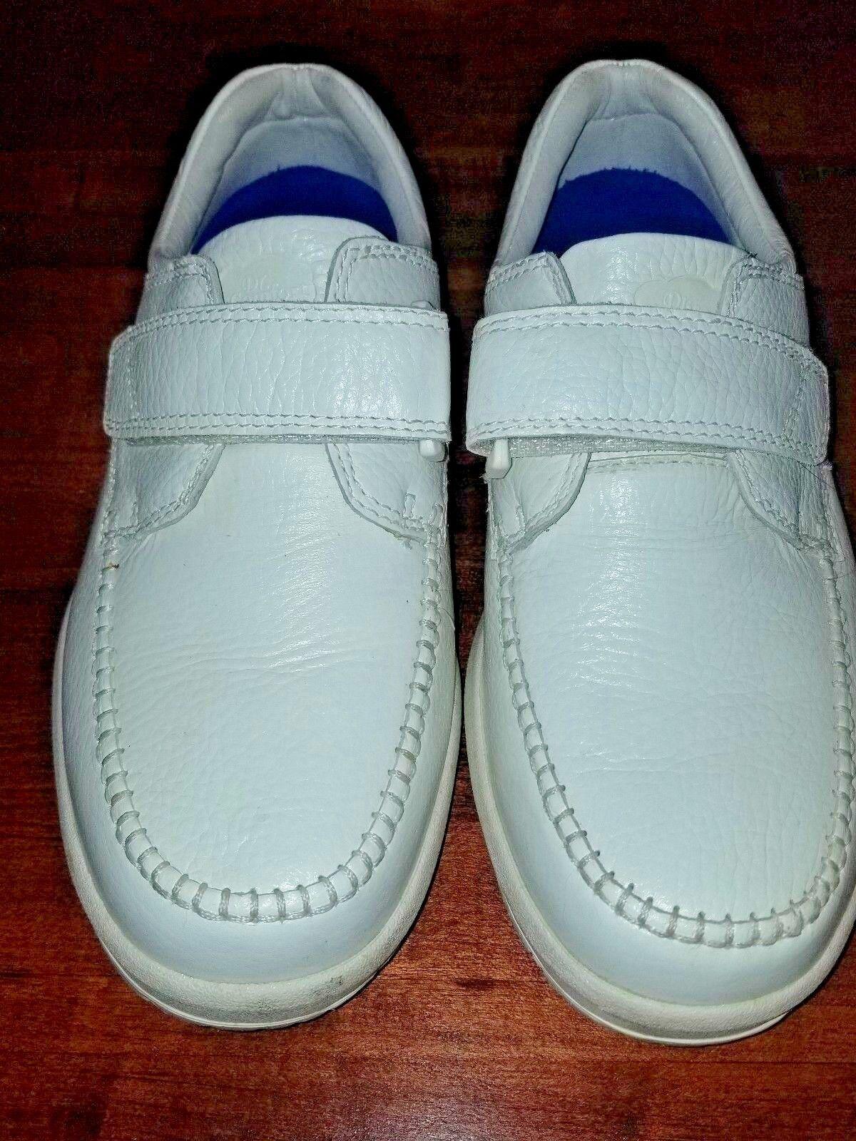 Dr. Comfort Scott  9030 Men's Diabetic Leather Casual shoes - Size 8 W