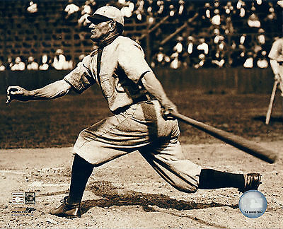 AWESOME HONUS WAGNER A BAT GREAT CLASSIC IMAGE 8x10 PIRATES LEGEND